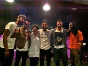 Lis at rehearsal with Miguel & band